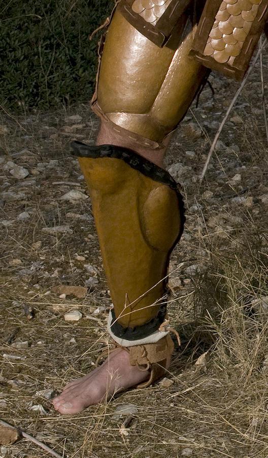 Βαρέου τύπου Ολομεταλλικός λινοθώρακας με χάλκινες πλάκες και φολίδες