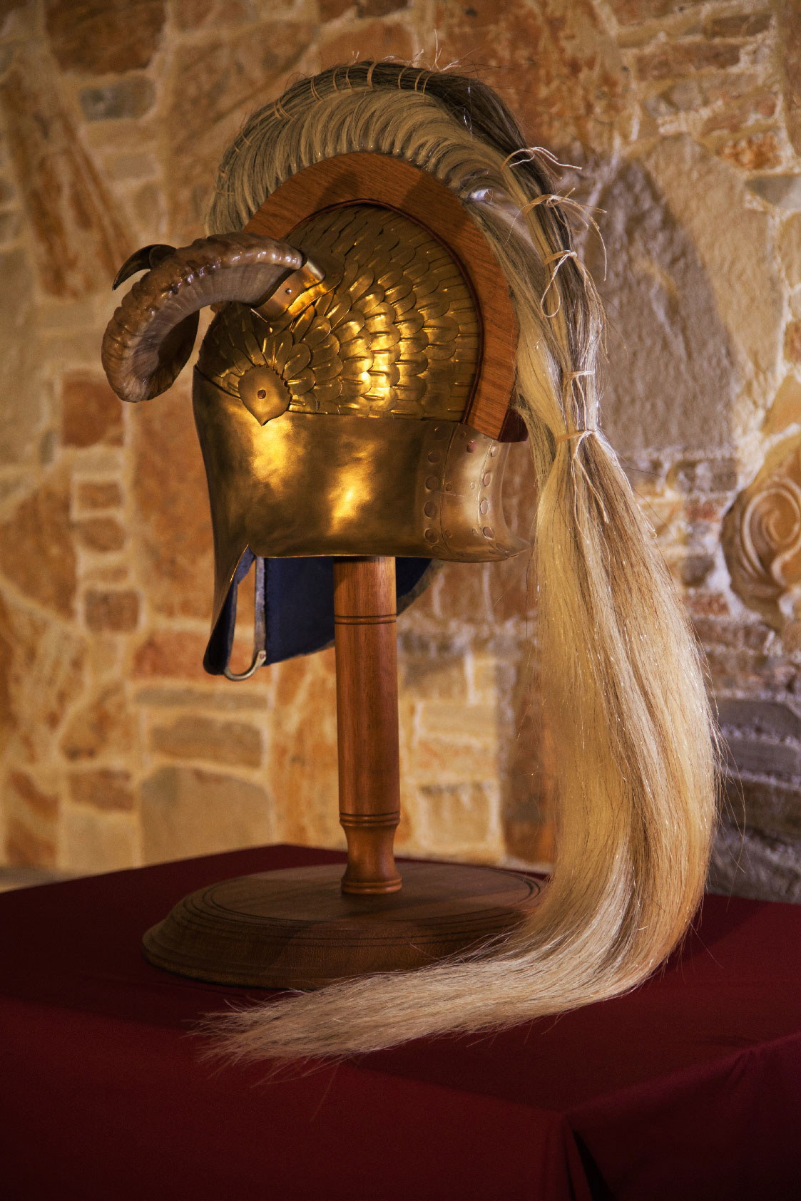 Μπρούτζονο φολιδωτό  Κορινθιακό Κράνος με λοφίο