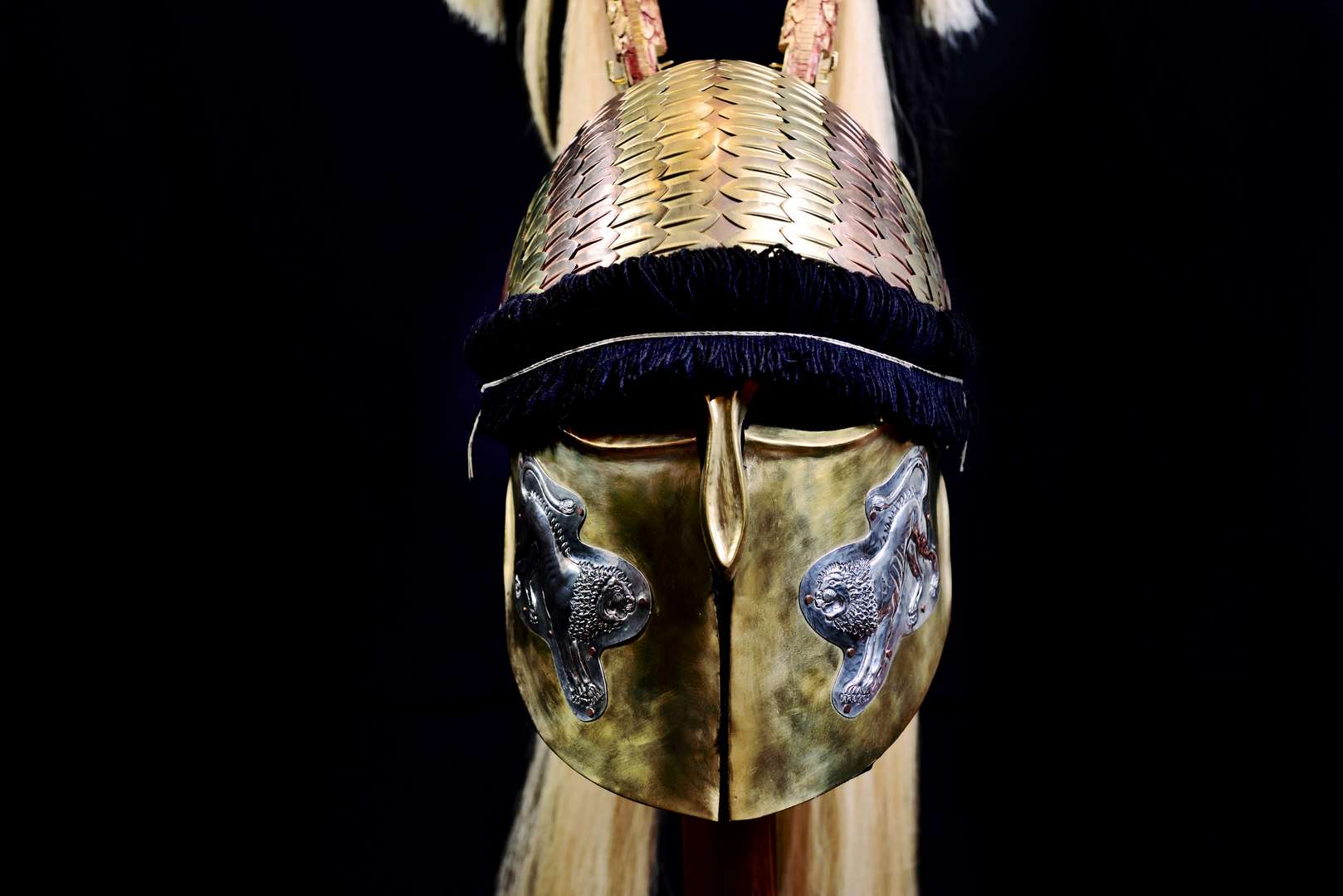 Δίλοφο σύνθετο Κορινθιακό κράνος